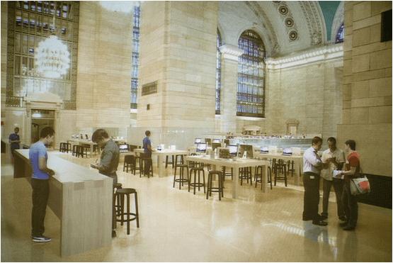 Самый большой в мире Apple Store откроется 9 декабря в Нью-Йорке
