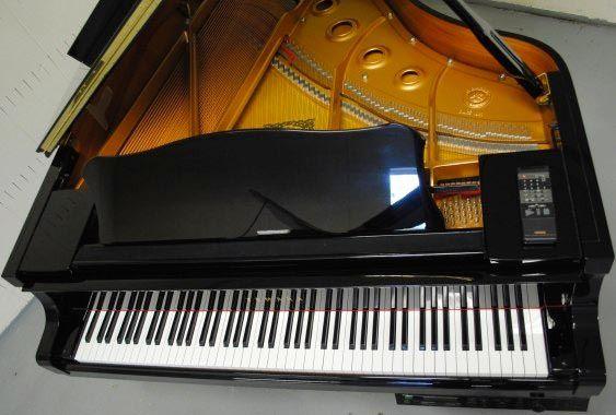 Новые возможности Siri. Теперь играет на пианино! [Видео]