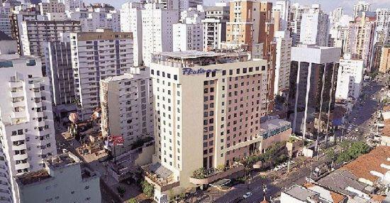Foxconn построит 5 новых заводов в Бразилии, направленных на производство iPhone и IPad