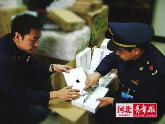 Китайские таможенники заверили, что запрет ввоза iPad невозможен из-за огромной популярности