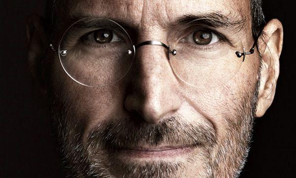 Стив Джобс был против названия голосового помощника Siri
