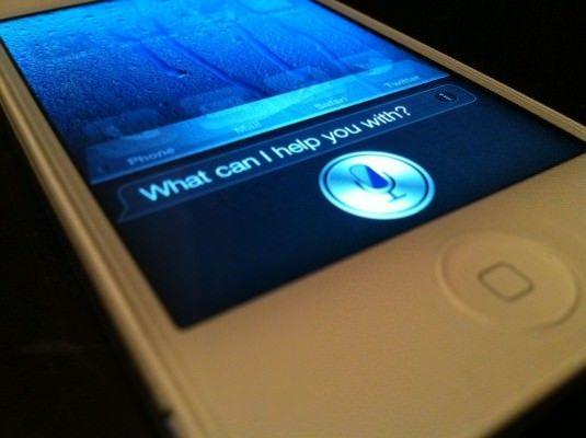 Siri - 6 месяцев полета. Результаты опроса пользователей о работе персонального помощника Siri