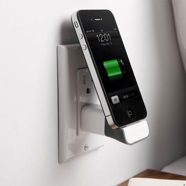 С Bluelounge MiniDock заряжайте iPhone, iPod прямо у розетки [Аксессуары]