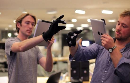 Работать с iPad не касаясь его - можно! [Видео]