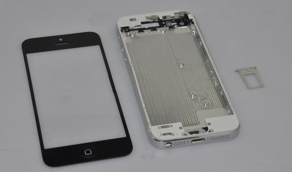 В сети появились новые запчасти, возможно, принадлежащие iPhone 5 [Фото]