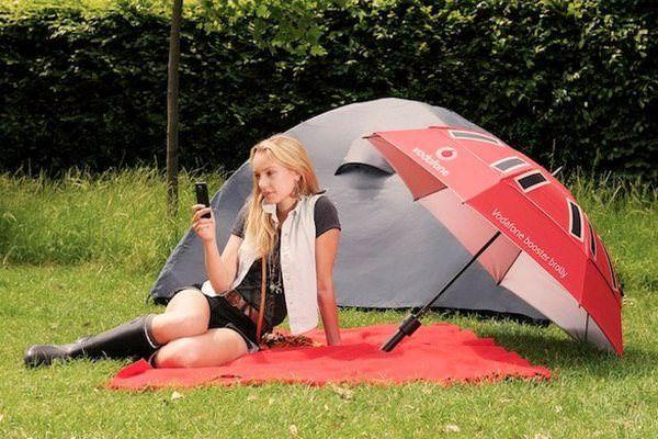 Зонт с антенной и солнечными батареями от Vodafone [Аксессуары]