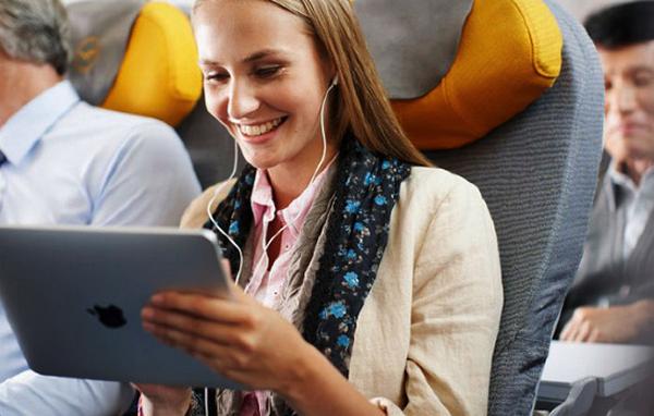 iPad помогает экономить авиакомпаниям