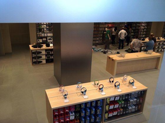 Завтра в Барселоне откроется новый Apple Store [Фото]