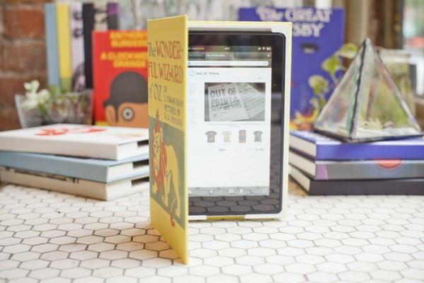 eBook Jacket - чехол-переплёт для iPad от Out of Print [Аксессуары]