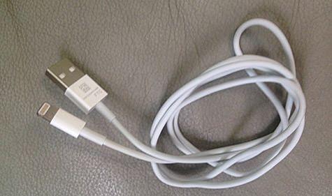 Фотография USB-кабеля для iPhone 5 появилась в сети