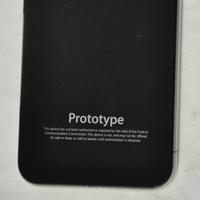 На eBay выставлен прототип не вышедшего iPhone 4