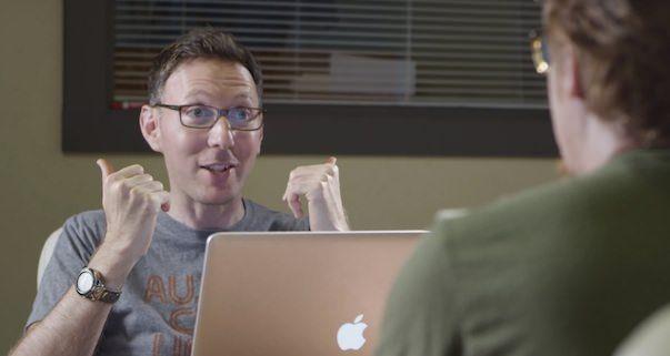 """Новая антиреклама Apple: """"Shit Apple Fanboy Says"""""""