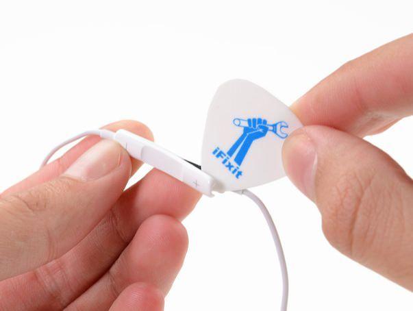 iFixit разобрали новые наушники Apple EarPods. Что внутри?