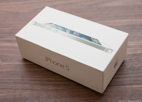За выходные Apple продала 5 млн. iPhone 5