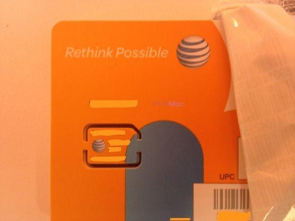 Вот так выглядит nano-SIM карта iPhone 5 оператора AT&T