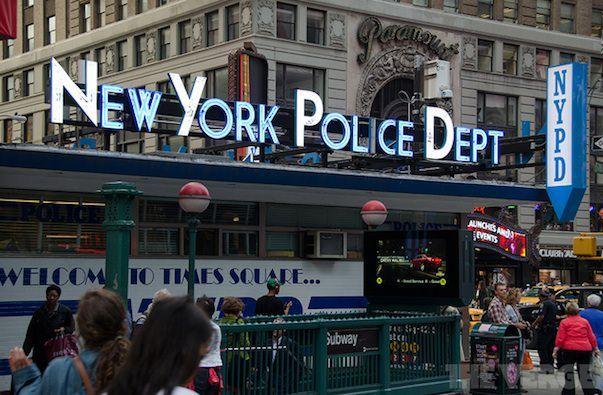 Полиция Нью-Йорка принимает меры для предотвращения краж iPhone
