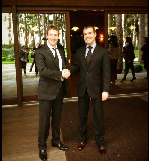 Цукерберг встретился с Медведевым и прогулялся по Красной Площади
