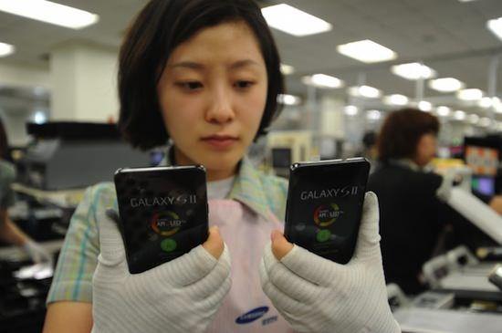 Исследование показывает, что детский труд с нарушениями охраны труда является обычной практикой на заводах Samsung