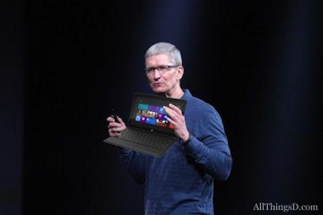 Тим Кук назвал планшет Surface от Microsoft недоработанным