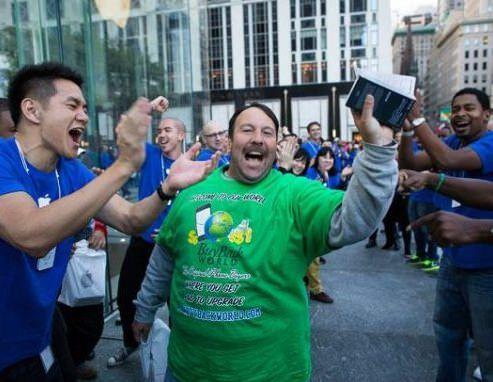 Новые карты Apple не сказываются на успешных продажах iPhone 5