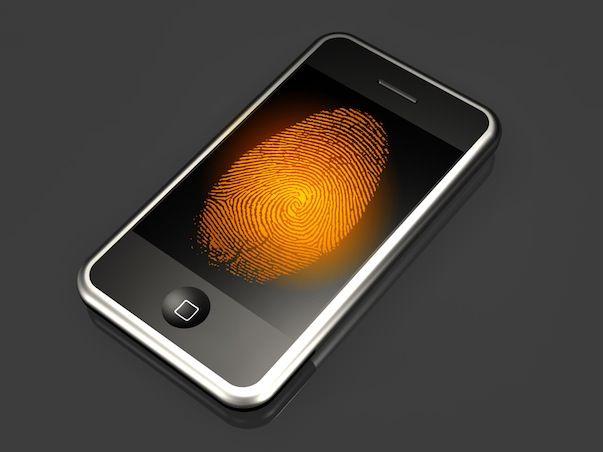 Apple продолжает работать над технологией распознавания отпечатков пальцев