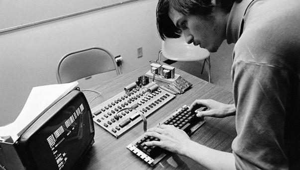 Apple.com сегодня посвящен памяти Стива Джобса