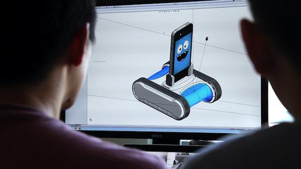 Фанаты робототехники создали iPhone-робота Romo, не имеющего аналогов в мире