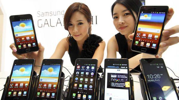 Продажи смартфонов Samsung превышают продажи iPhone более, чем в два раза