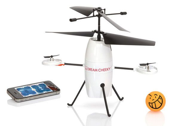 iStrike Shuttle - летающий робот для iPhone