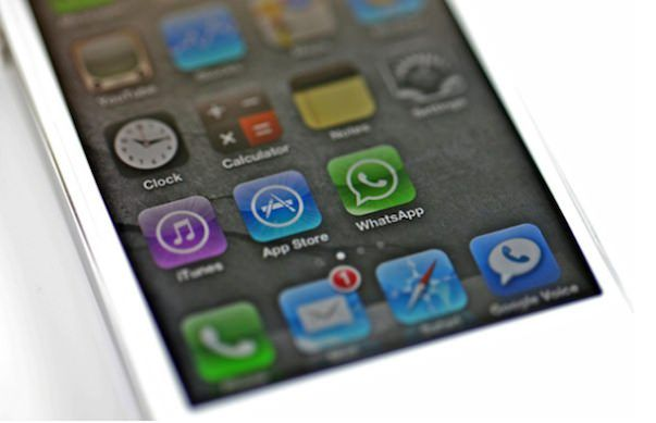 Количество отправленных сообщений в WhatsApp намного превышает объемы iMessage