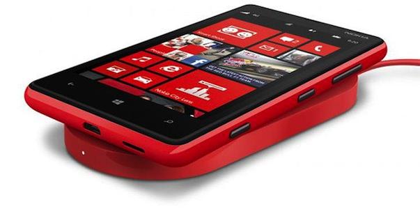 WP8_nokia-lumia-920_charger_rewiev