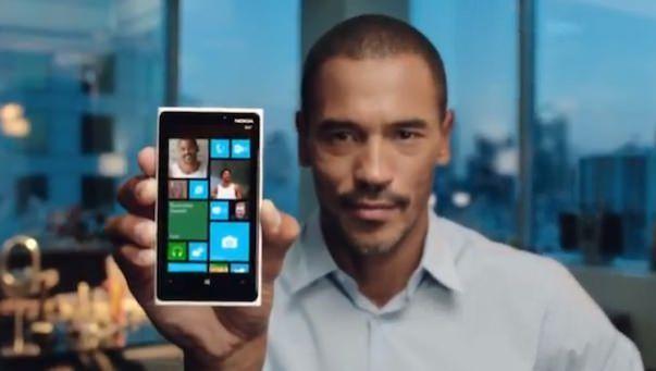 Обзор Windows Phone на рекламных видеороликах с участием знаменитостей