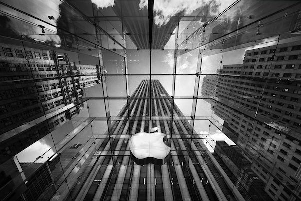 Что случилось с акциями Apple?