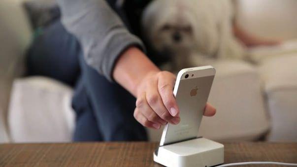 Dock + новая Lightning док-станция для iPhone, iPad или iPod Touch на проекте Kickstarter