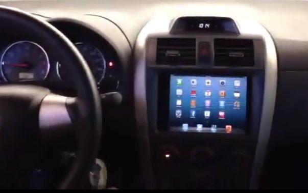 iPad mini отлично смотрится в приборной панели автомобиля