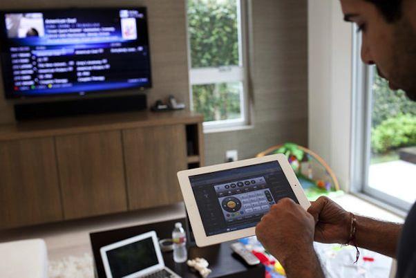 """Управляем """"умным домом"""" за 80 000 долларов с помощью iPad"""