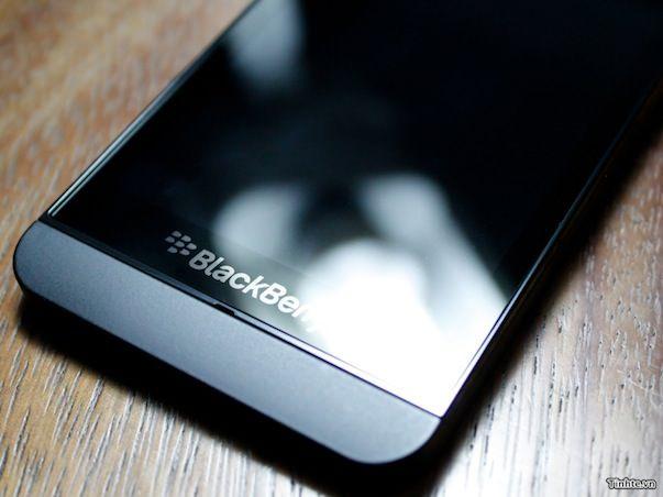 """""""Подпольные"""" фото нового сенсорного BlackBerry 10 L-серии"""