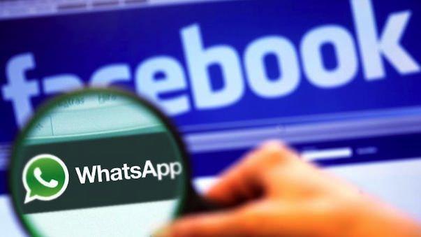 Facebook собирается приобрести сервис обмена сообщениями WhatsApp