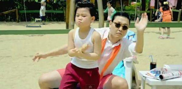 "Клип ""Gangnam Slyle"" преодолел отметку в 1 миллиард просмотров на YouTube."