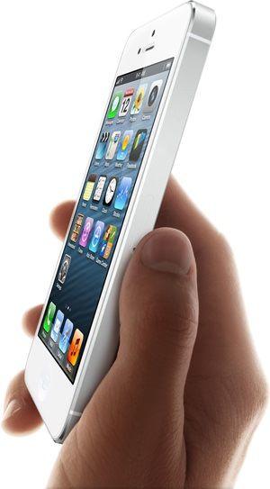 За выходные в России проданы почти все iPhone 5, версий с 32 и 64 Гб памяти