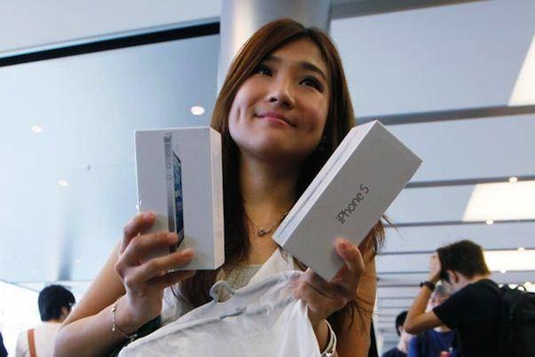 В этом году купить iPhone 5 в России можно по европейским ценам