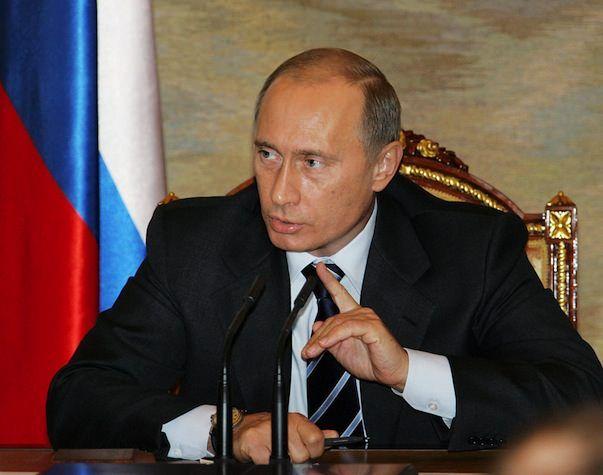 """Путин отменил """"мобильное рабство"""" в России"""