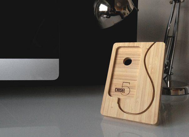 Бамбуковая подставка iSkelter для iPhone 5
