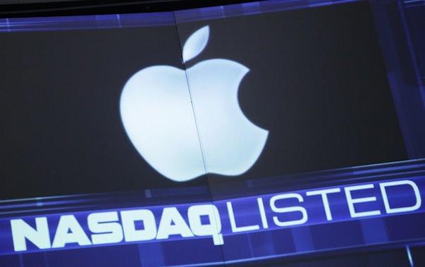 Акции Apple не дорожают. Почему?
