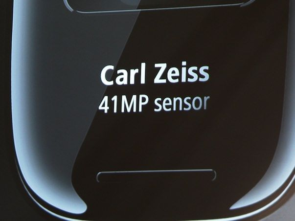 У iPhone 5 появится конкурент от Nokia с 41-Мп оптикой от Carl Zeiss