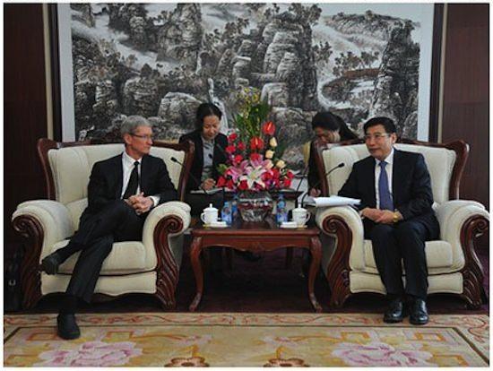 Для чего Тим Кук снова посетил Китай?