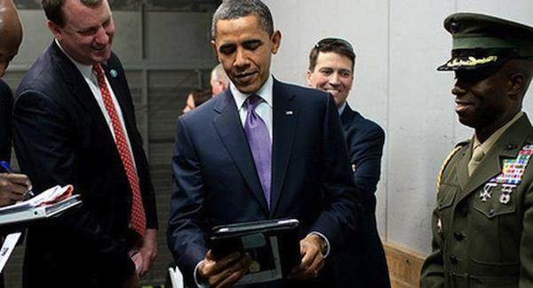 Обама с iPad