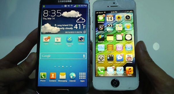 Galaxy-S4-vs_iPhone-5