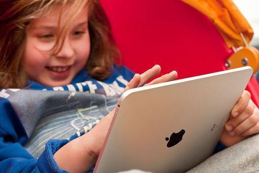 Дети покупают в App Store