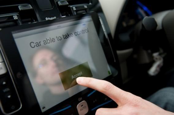 robot-car-uk-ipad (2)